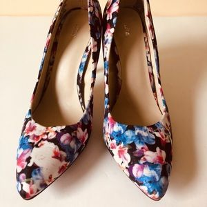 Apt. 9 Shoes - Floral Apt.9 pumps with silver heel